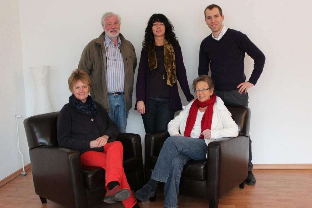 von links nach rechts, unten: Dörte Walberg, Ulla Möller, oben: Ulrich Flamme, Susanne Löwe, Dennis Thering MdHB